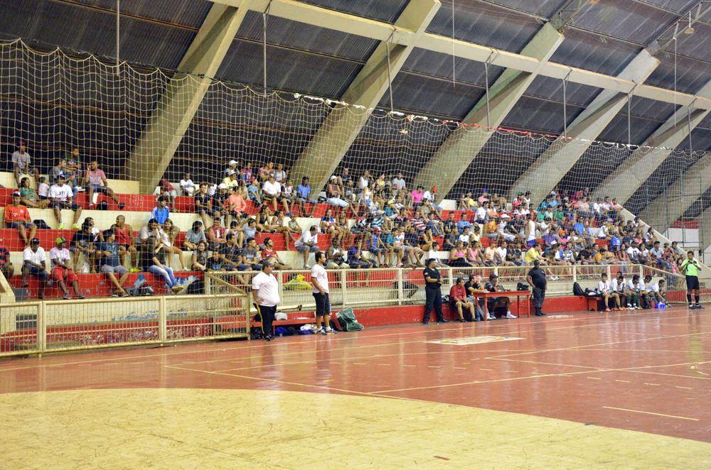 """Jogos foram disputados no Ginásio Municipal de Esportes """"Stélio Maia"""""""